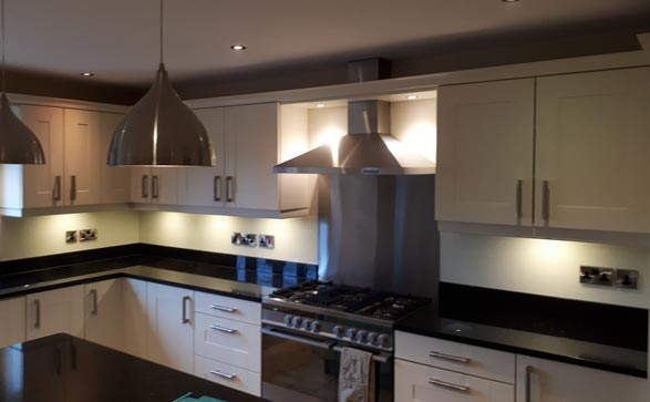 Melton-Glass-give-your-kitchen-the-wow-factor-with-bespoke-glass-splashbacks